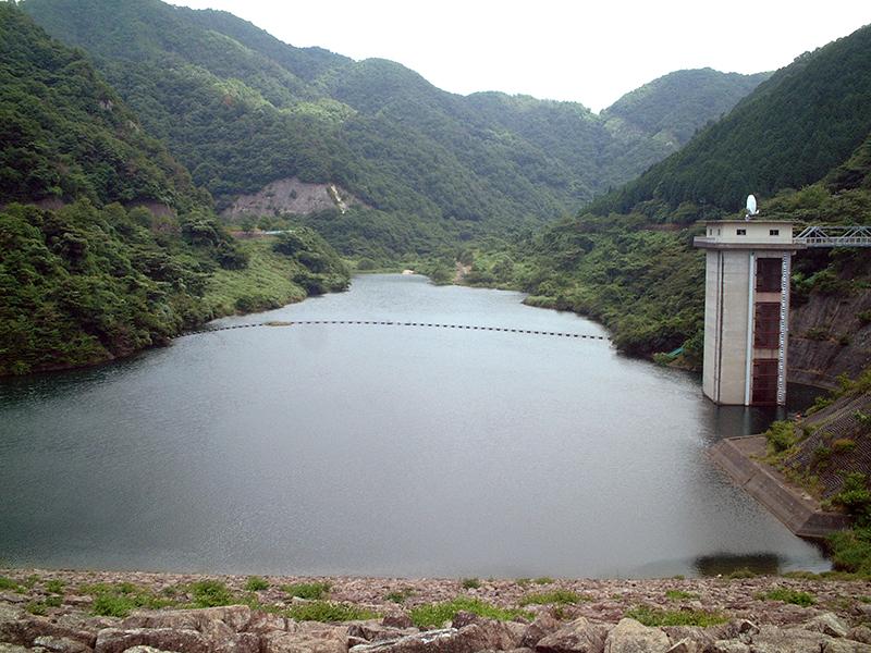 宇曽川ダム、宇曽川渓谷